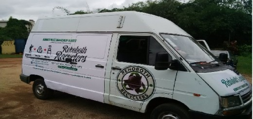 Photo showing a Bus belonging to Rehobth Recyclers